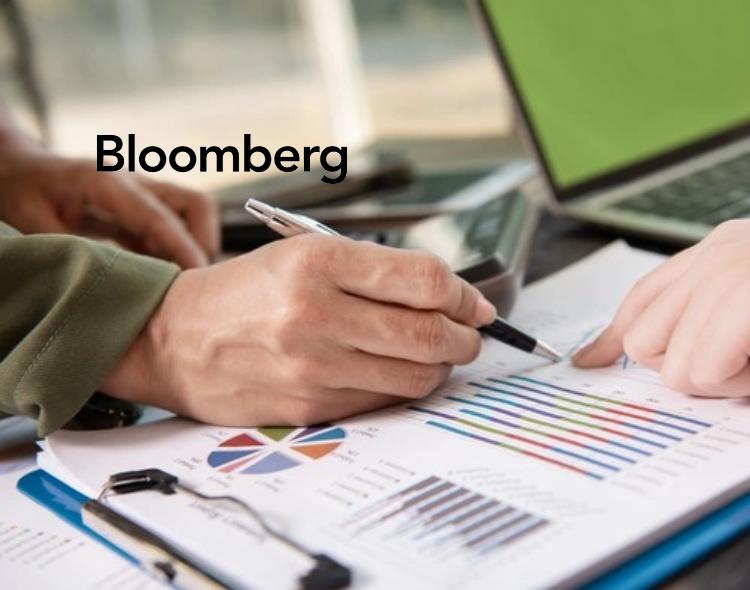 Bloomberg Sponsors MIDE Financial Literacy Program for Women